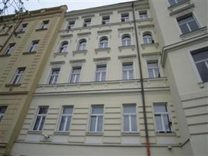Pohled na dům z vnitrobloku