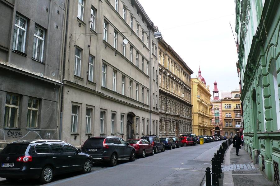 Pohled na dům z ulice U půjčovny