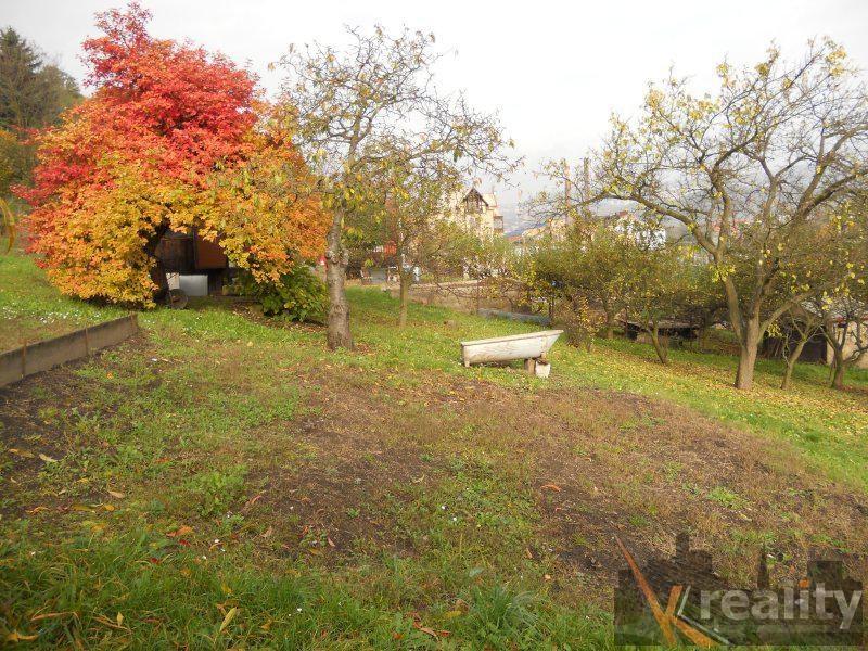 Prodej,  Pozemky  -  zahrady,  856  m2