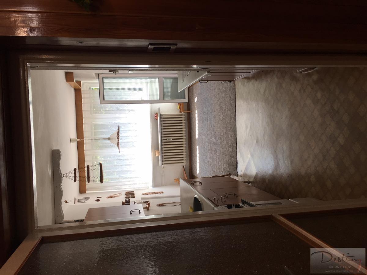 byt - kuchyn 1.JPG