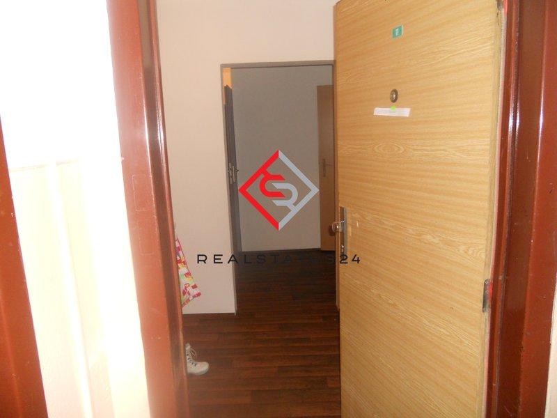 Vchod. dveře